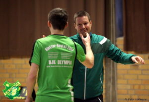 VL: TSSV - Olympia: Matthias gratuliert Marvin